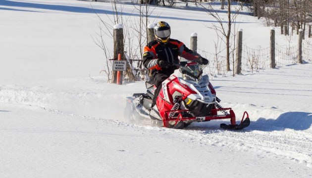 mlortz_trailstakes_snowmobile