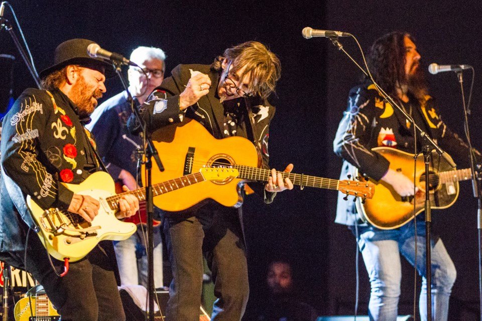2017-02-27 Blackie and the Rodeo Kings DMH-11