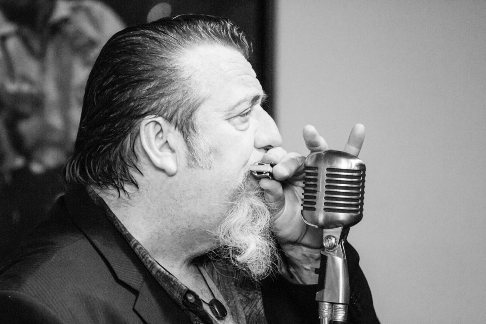 Harpdog Brown presented by the Sault Blues Society at the Rockstar Bar on Friday, Jan. 13, 2017. Donna Hopper/SooToday