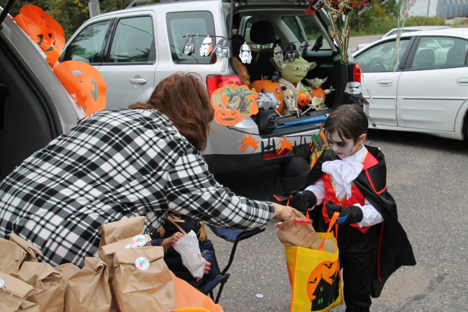 Second annual Trunk or Treat event, October 3, 2015. Darren Taylor/SooToday
