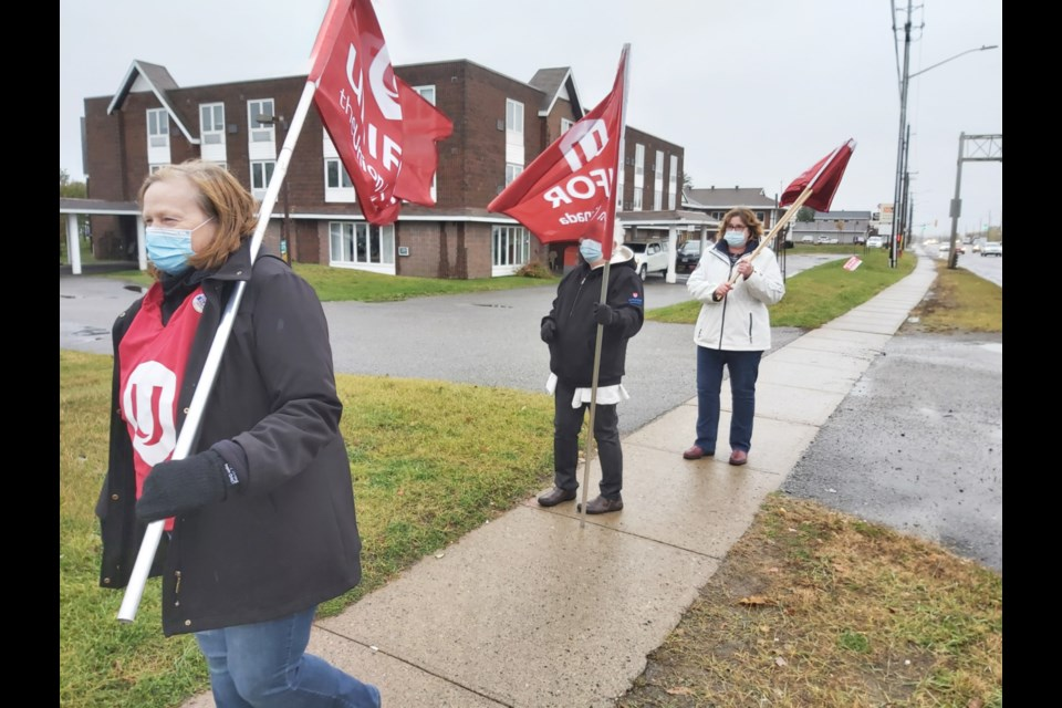 Unifor Local 1359 members gathered for a rally outside Pathways Retirement Residence to show support for PSWs, Oct. 23, 2020. Darren Taylor/SooToday