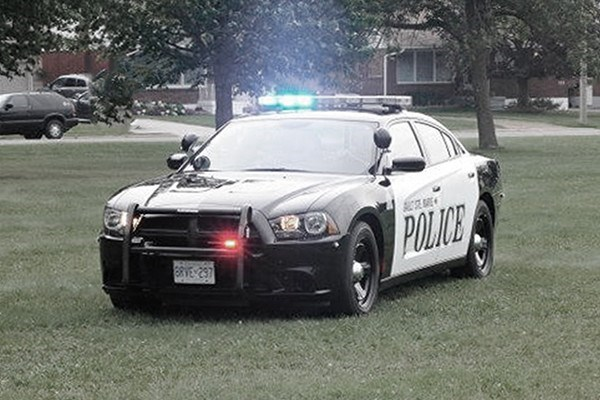 crime_police_sault_car1_notext