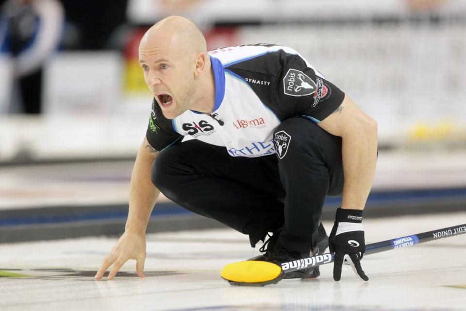 2016-12-10 20161210 Boost National Pinty's Grand Slam of Curling Semi-Final KA 3370