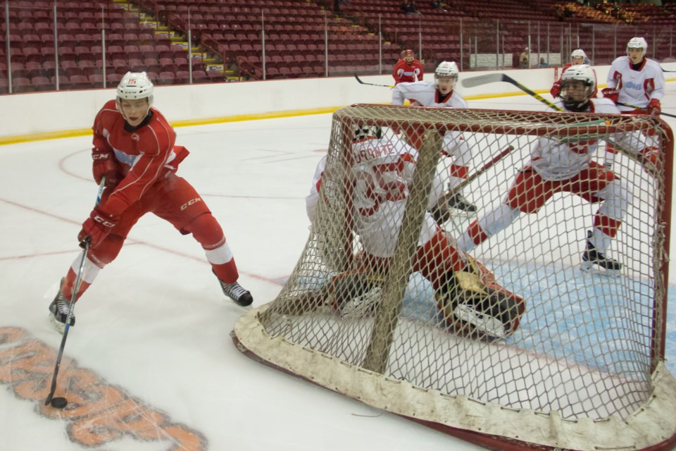 Action during a scrimmage on Thursday at the Soo Greyhounds training camp. Jeff Klassen/SooToday