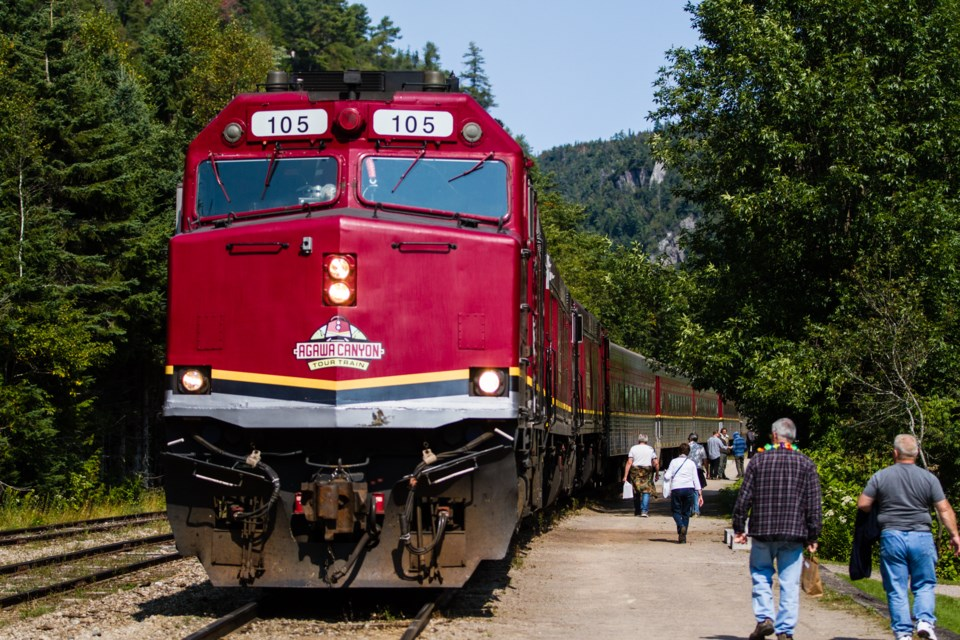 2017-09-09 Agawa Canyon Tour Train DMH-3