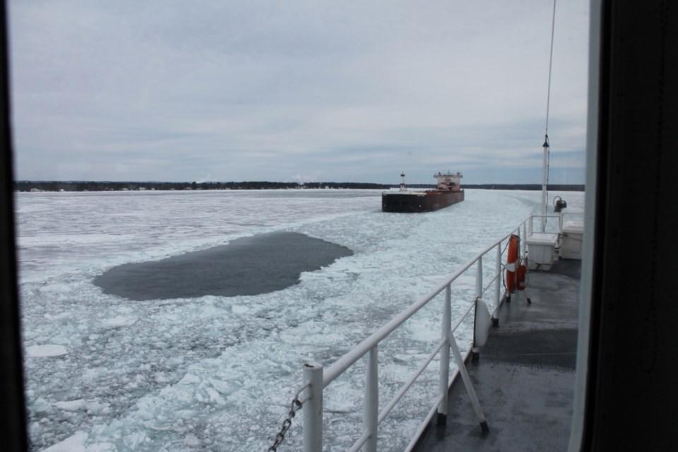 2018-01-13USCGC Mackinaw-04