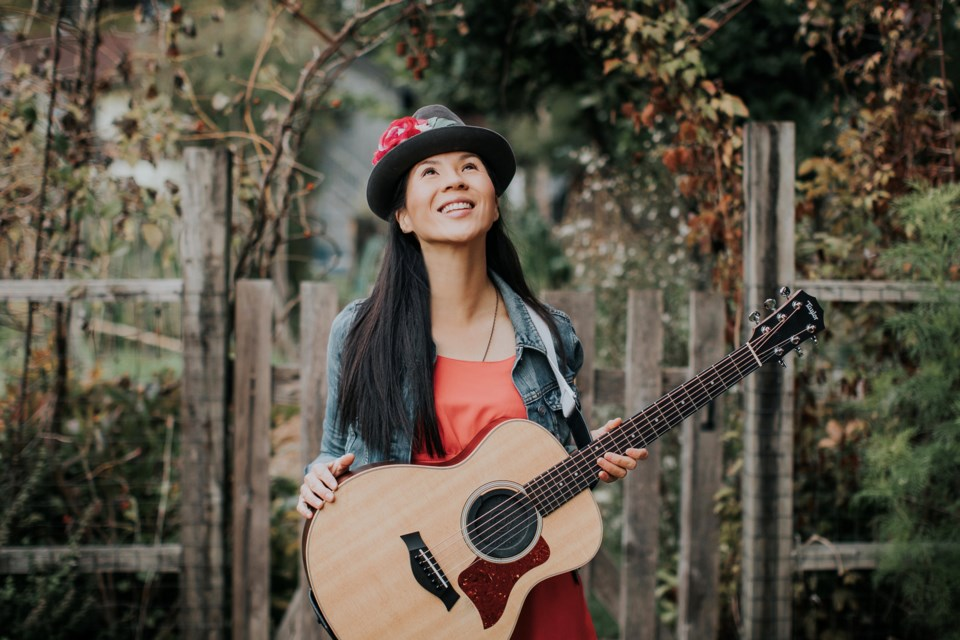 Juno nominated recording artist Ginalina brings her high wattage smile and winsome songs to the Arden Theatre as part of the preschooler's Noisy Theatre series on Friday, Nov. 8.