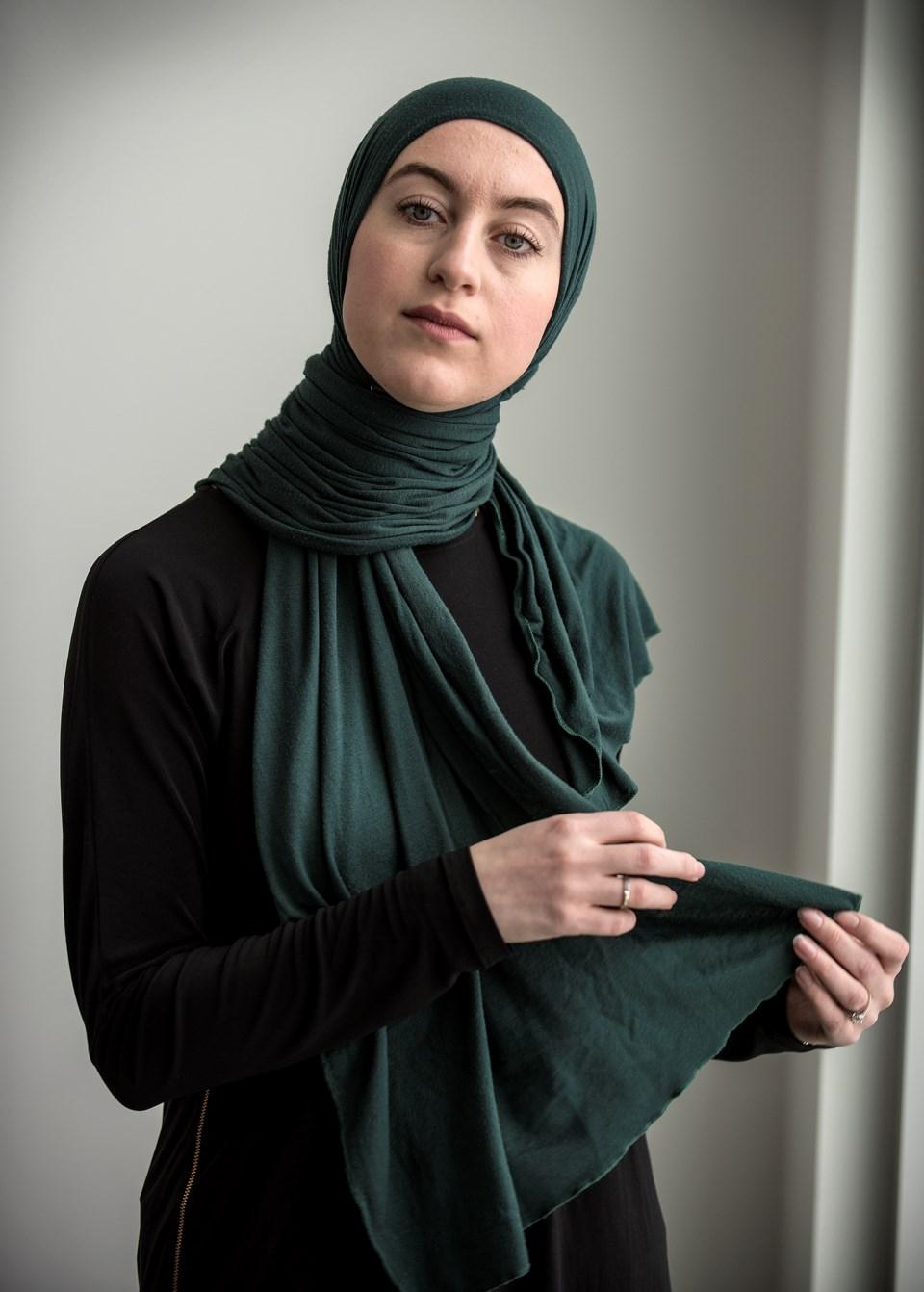 2011 gg-hijab DR45 f