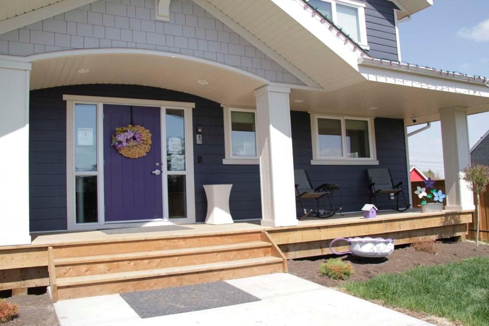 2605 jessie's house cs 01 C
