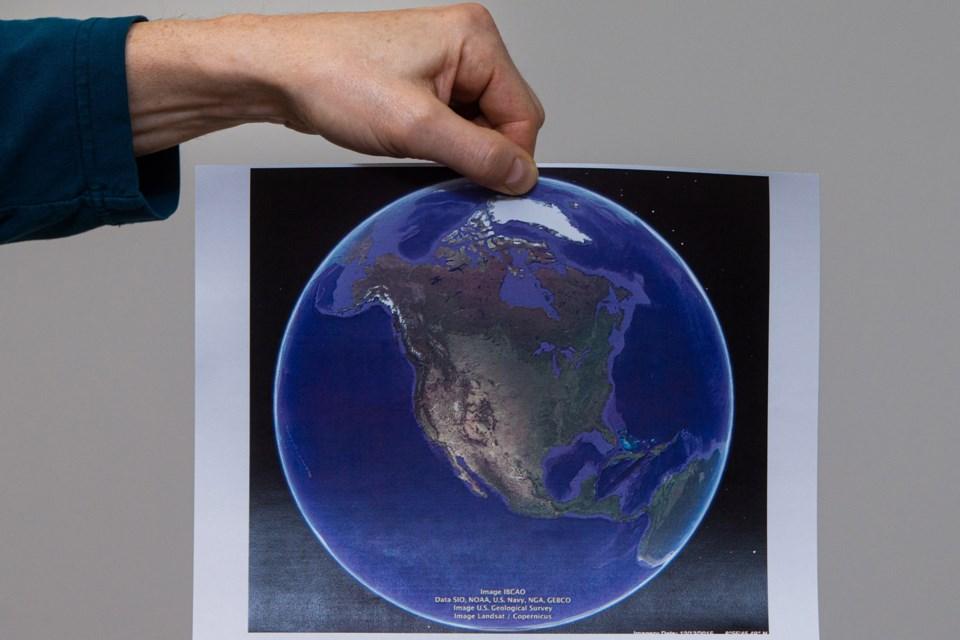 flat earth CC 3931