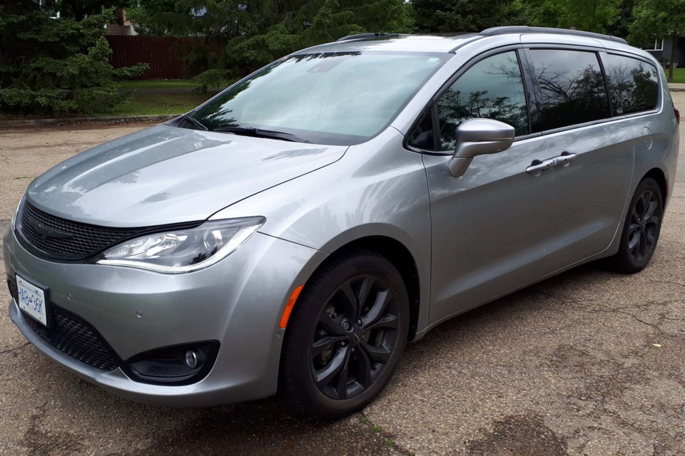 2019 Chrysler Pacifica S