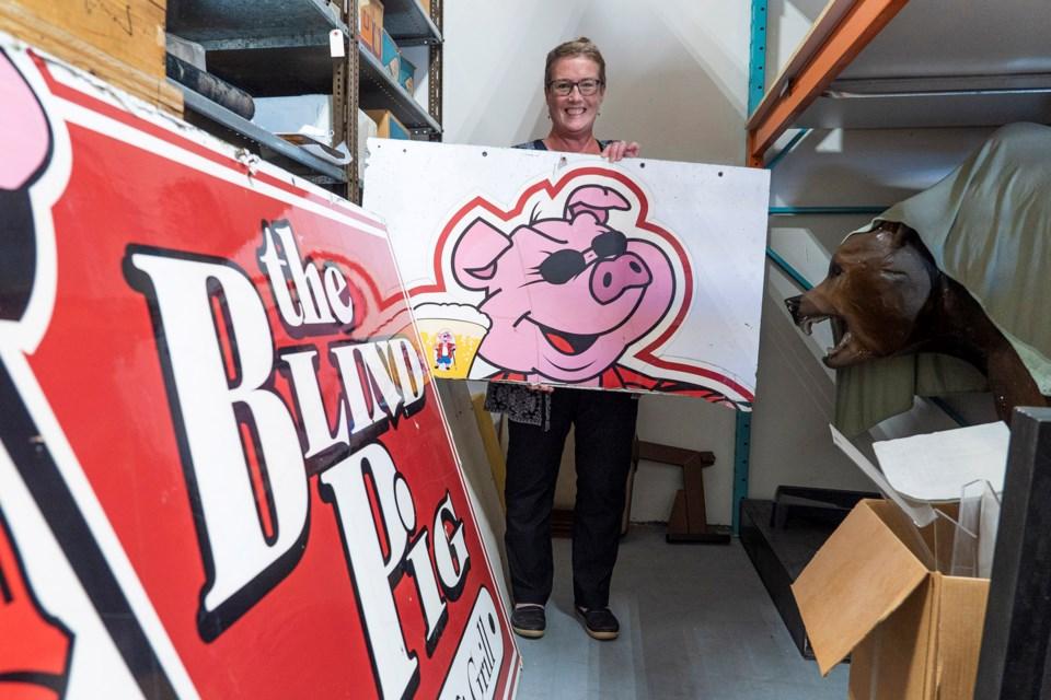 SA blind pig sign CC 4700