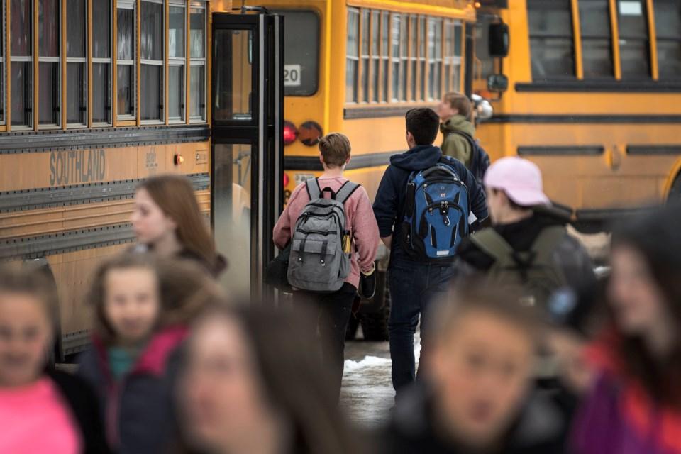 School Bus  DR12 (1)