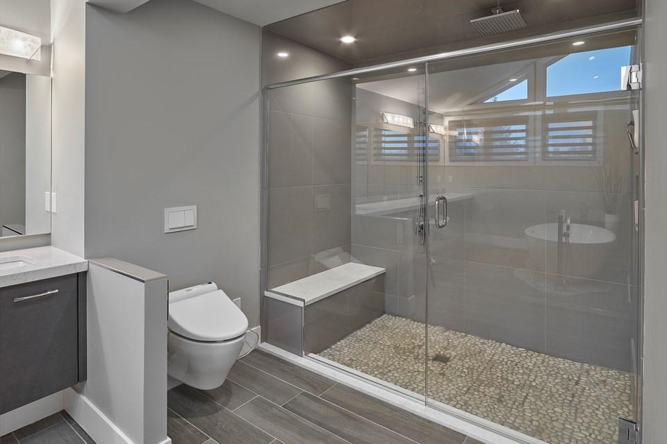 Alair-Bathroom