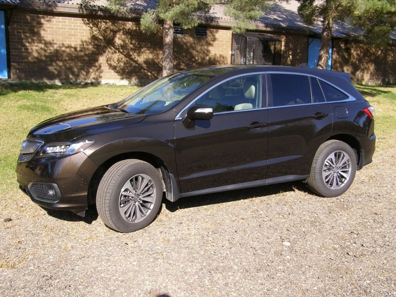 The Acura RDX Elite has been refreshed for the 2016 model year and offers even better value since its launch in the Canadian market in 2007.