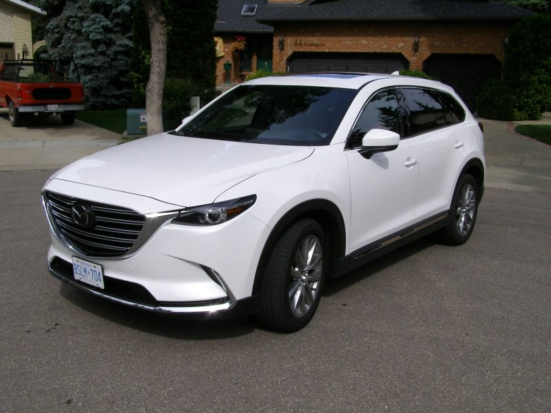 ATTRACTIVE AUTO – The CX-9 is a clean design