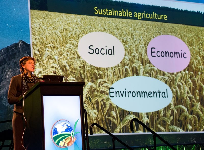 GENES FOR GREEN – UC Davis plant pathologist Pamela Ronald spoke to thousands of Farmtech 2017 attendees last week about how genetic engineering can make farming more