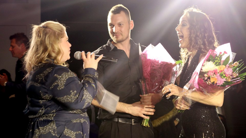Host Amanda speaks with the 2020 Dancing with the Easter Seals Stars winners Marissa Arnold of RE/MAX Crown Realty and her pro partner René Gagné, a professional dancer. (Supplied)
