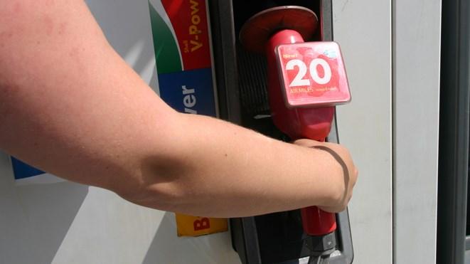 050716_gas_pump3