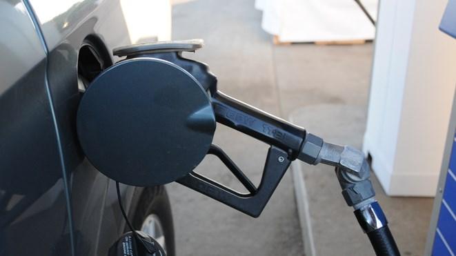 050716_gas_pump4