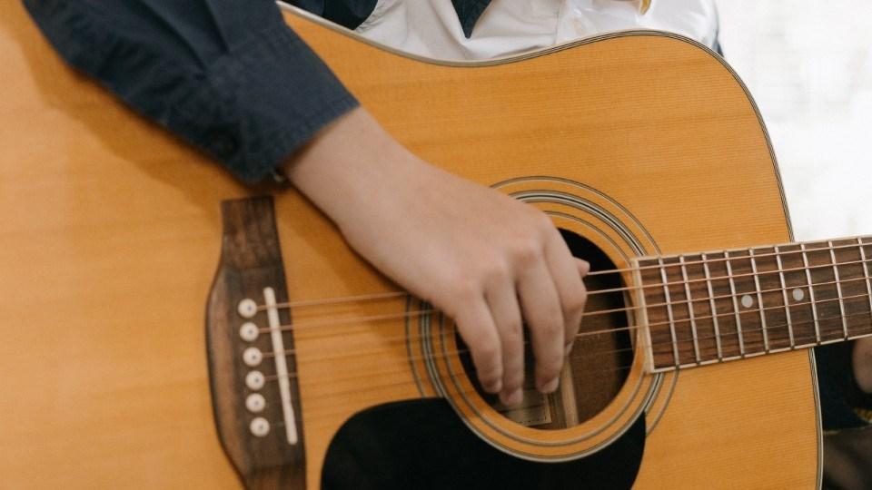 070421_guitar-kid-pexels-cottonbro-4708864