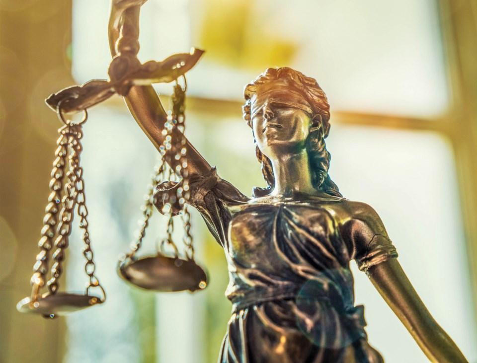 110419_blind-justice