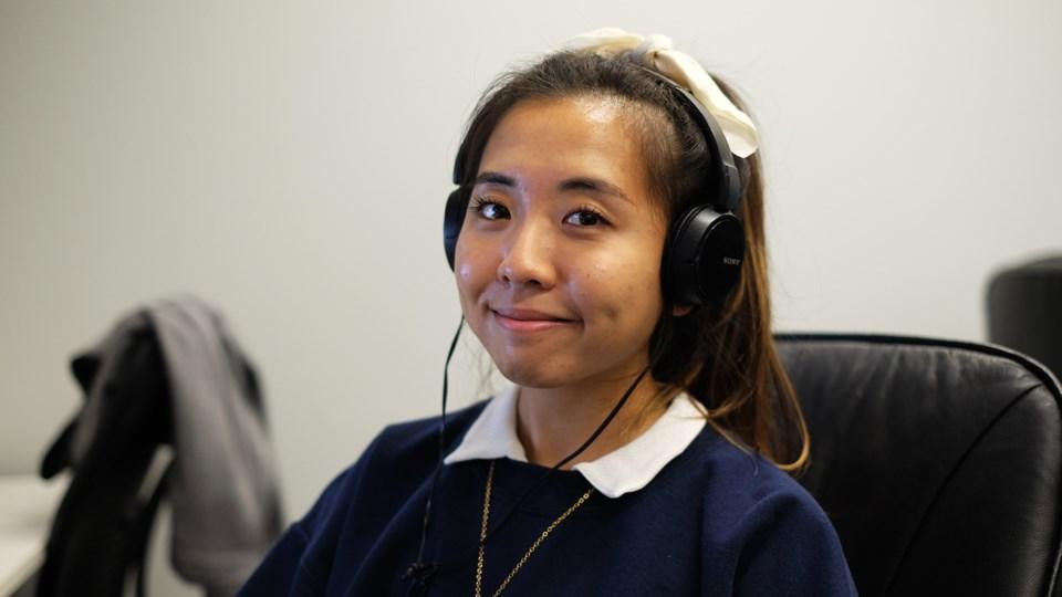 150921_ES_eden-suh-headphones