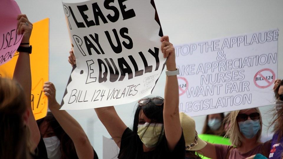 280721_hospital-workers-rally-bridge-nations