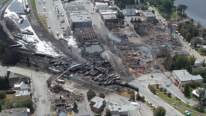 311016_lac_megantic-featured