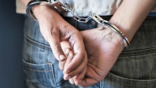 050716_handcuffs