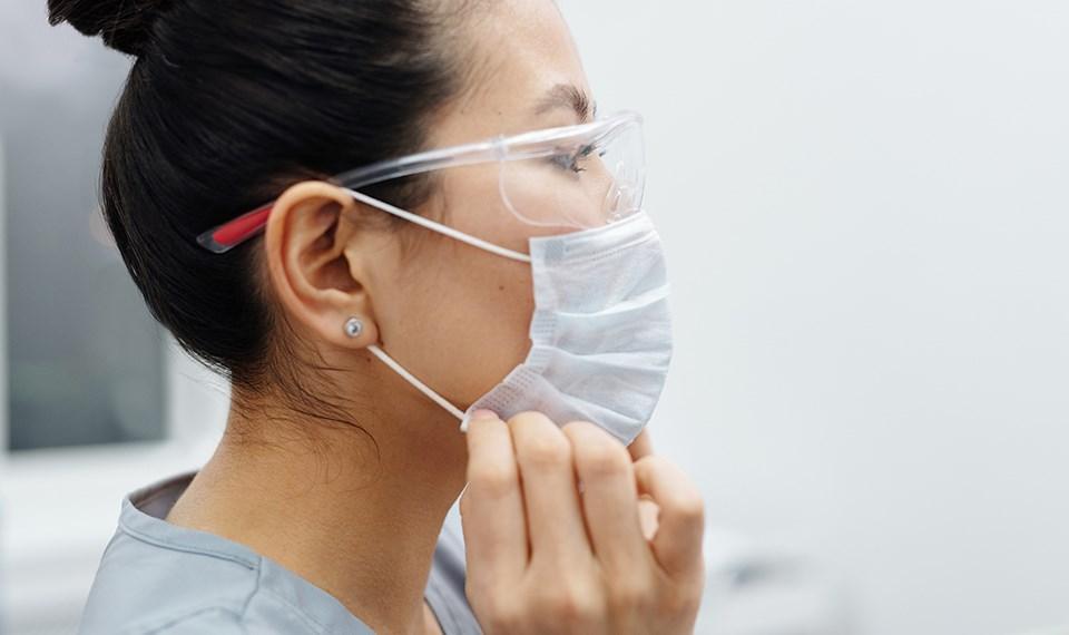nurse_frontline_mask_ppe