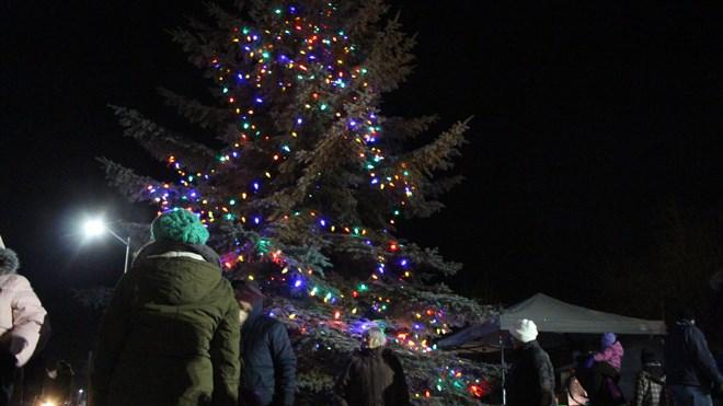 281115_MD_tree_lighting1