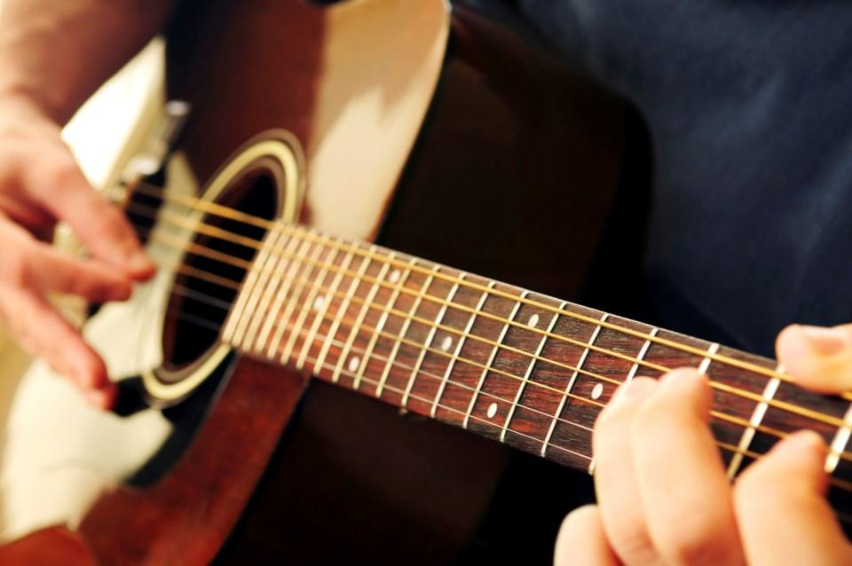 120419_guitar