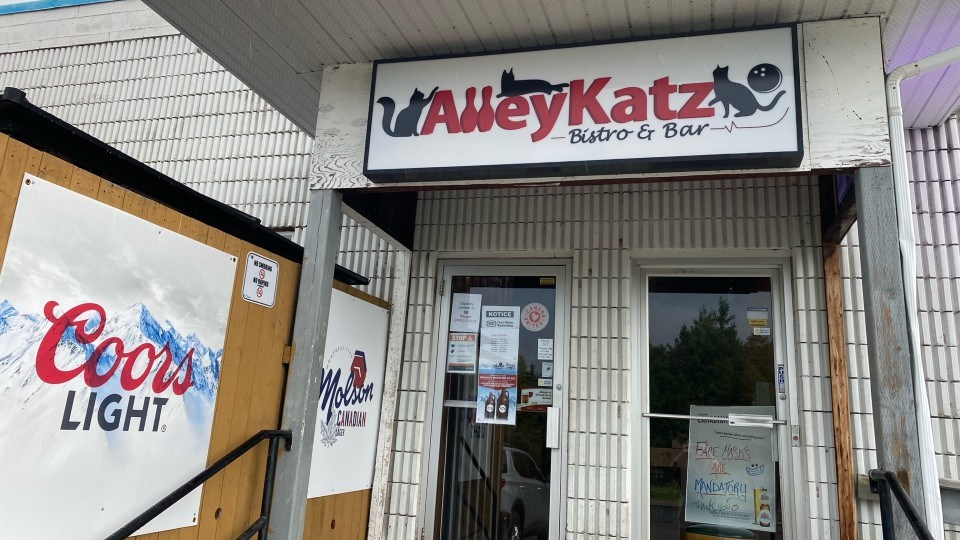 AlleyKatz in Lively offers belly-filling pub staples sure to whet your appetite.