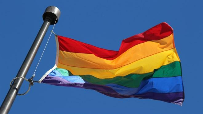 180716_hgo_prideflag_08