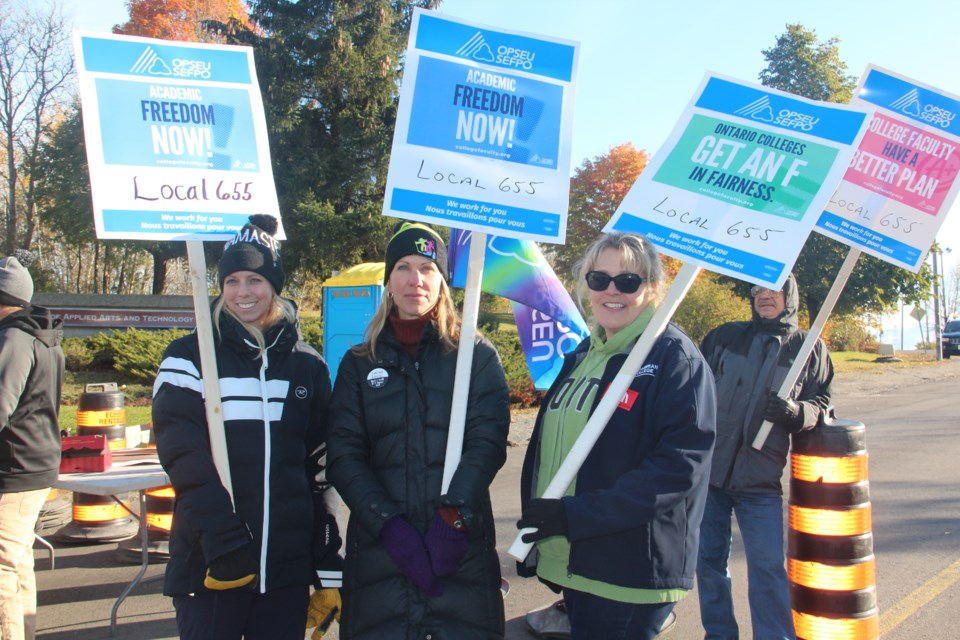 Cambrian College faculty members on the picket line on Monday, Oct. 16. Heidi Ulrichsen/Sudbury.com)