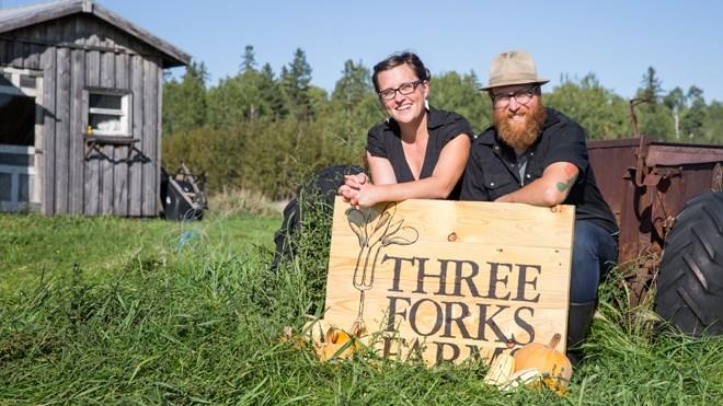 110718_JL_click-fork-farmers-market-Three-Forks-Farms-crop