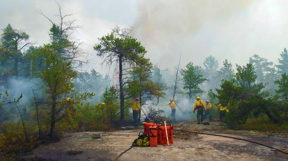 040818-MNRF-firefighters