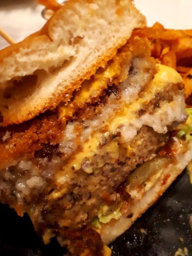 050719_HK-burger-column