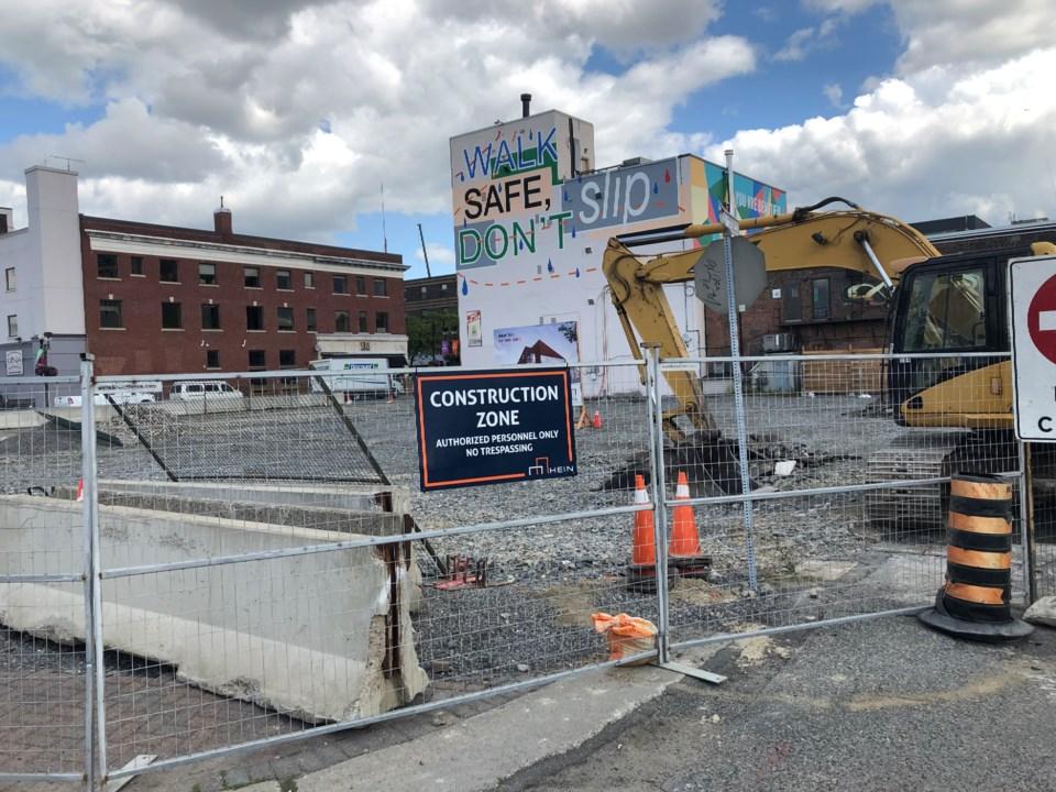 290819_DM_place_construction