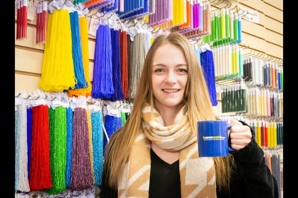 Jangles employee Lynne Buzzi, a goldsmith and jewelry maker. (Photo by Ayano Hodouchi-Dempsey)