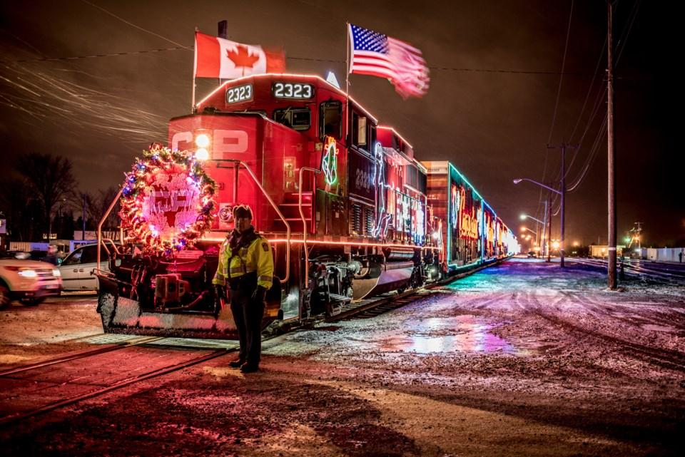 Holiday-Train-01
