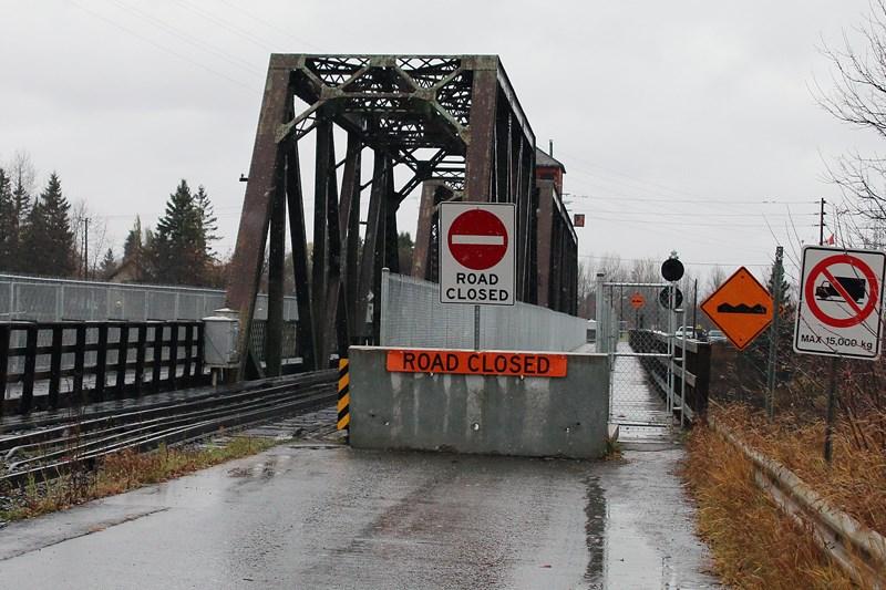 Bridge 10282015 WEB