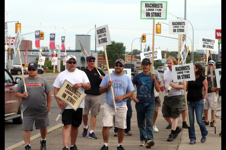 37 IAMAW Local 1120 members have come to an agreement and will go back to work on Monday. (Doug Diaczuk, tbnewswatch.com)