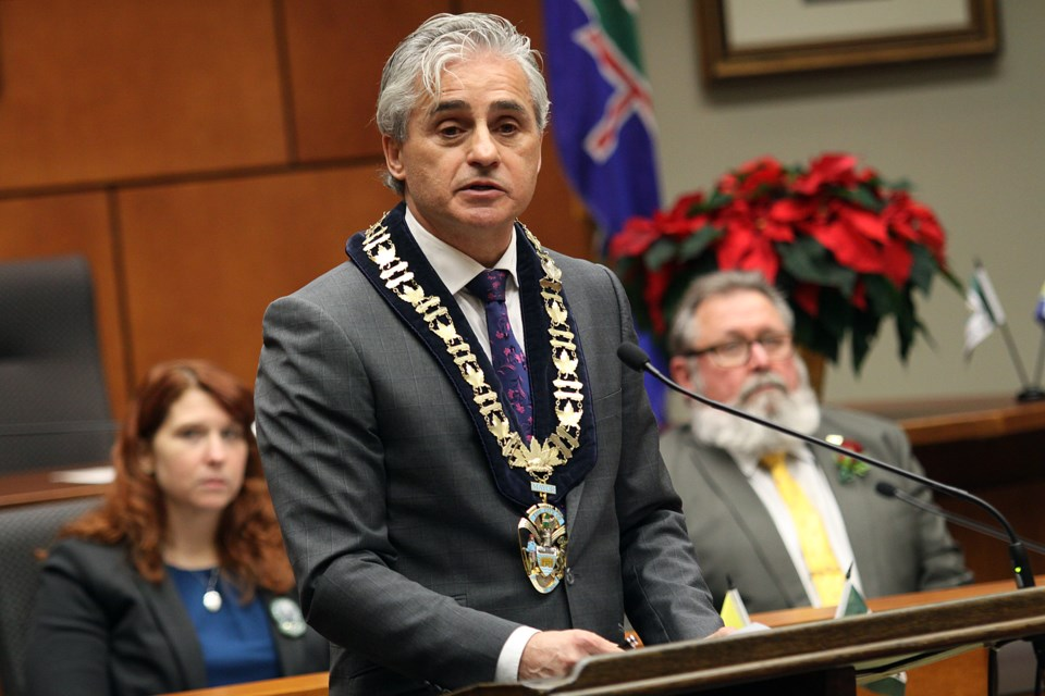 Mayor Bill Mauro delivers his inaugural address to Thunder Bay city council on Monday, December 3, 2018. (Matt Vis, tbnewswatch.com)