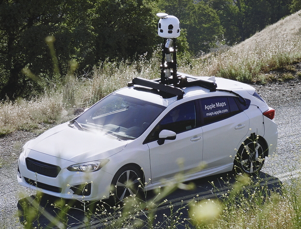 Apple map car two