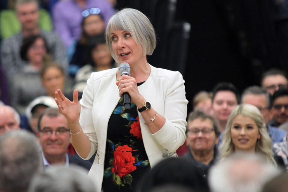 Thunder Bay-Superior North MP Patty Hajdu introduces Prime Minister Justin Trudeau during his Thunder Bay town hall on Friday, March 22, 2019. (Matt Vis, tbnewswatch.com)