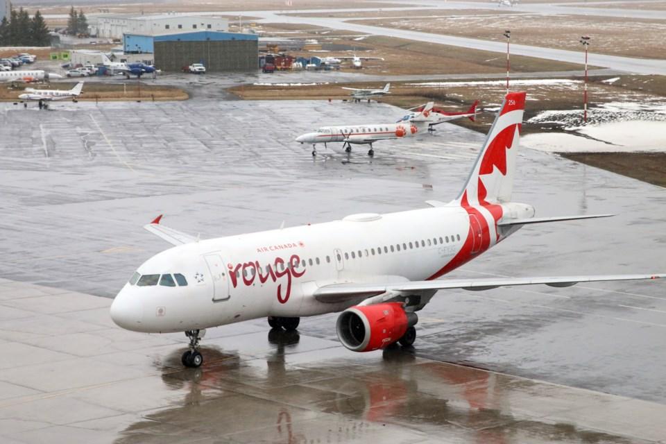 Air Canada Rouge 1