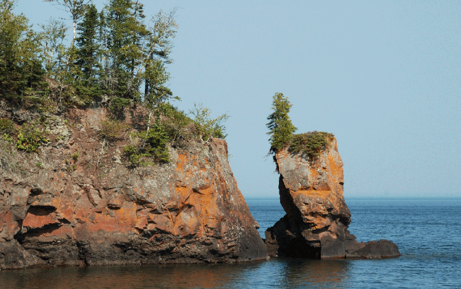 The sea stack at Tettegouche State Park was a popular spot for photographers (Minnesota DNR photo)