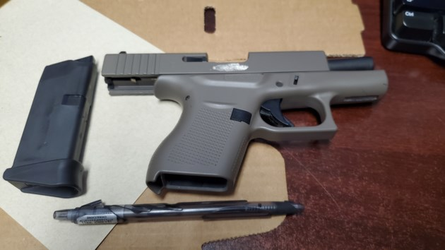 handgun - P19064077